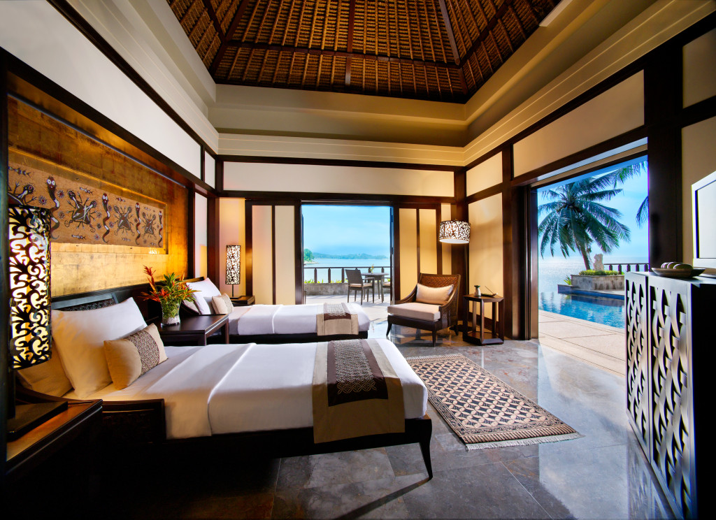 Tropical luxury hotel bedroom with tropical luxury hotel for Tropical hotel decor